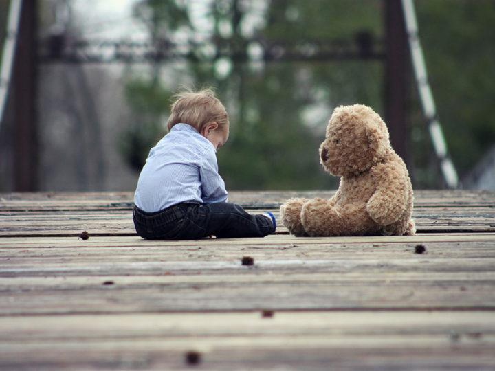 Estimular el juego del niño con Trastorno del Espectro Autista (TEA)